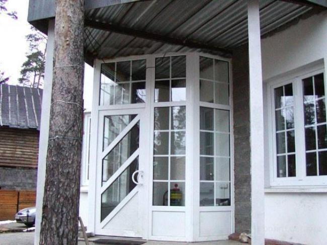 Фото по установке окон и дверей ПВХ